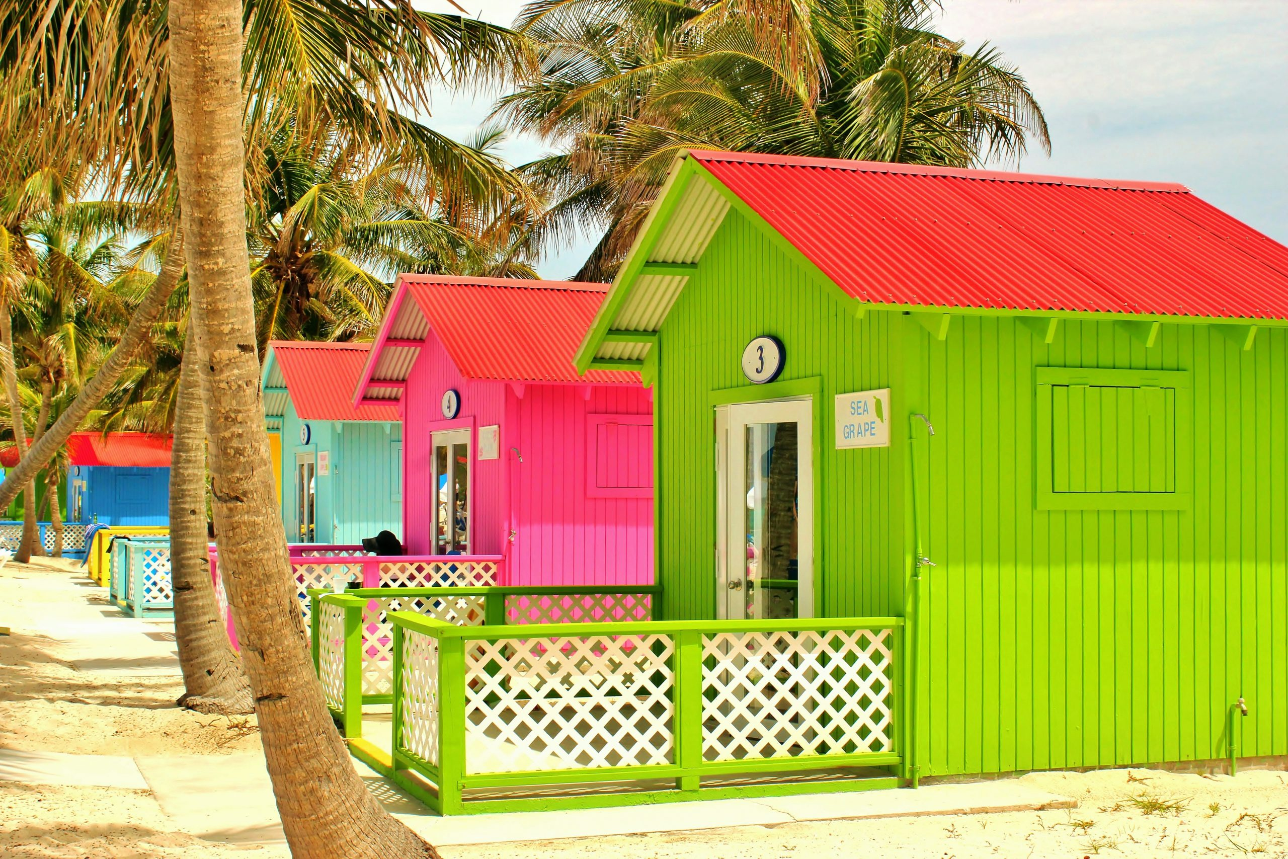 pops of colour in The Bahamas design